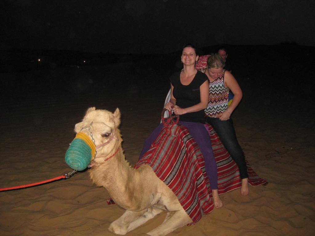 Dubaj - výlet jeep safari - jízda na velbloudovi