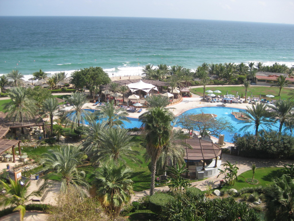 Fujairah - výhled ze 16. patra hotelu Le Meridien