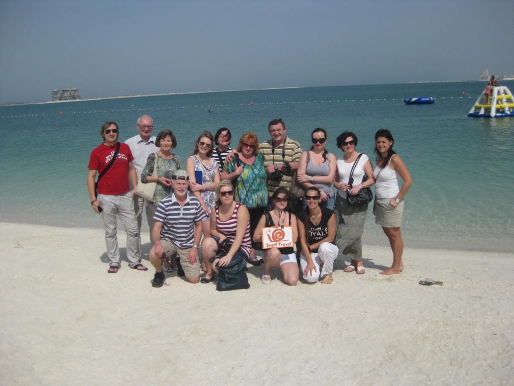 Ras Al Khaimah - účastníci fam tripu na pláži hotelu Rixos Bab al Bar