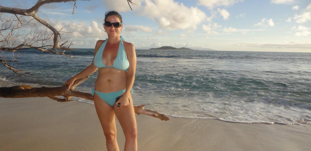 Seychelly - ostrov Praslin - hotel Constance Lemuria-pláž