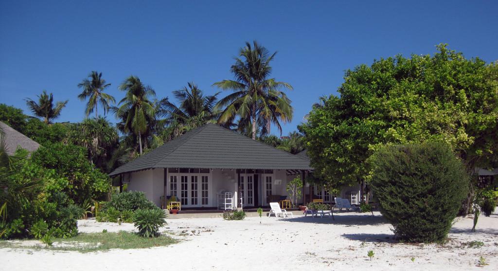 Maledivy-Andaaran-Meedhuparu-beach-vila