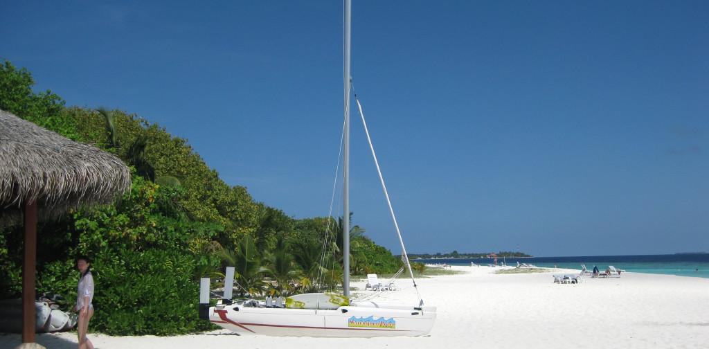 Maledivy-Andaaran-Meedhuparu-pláž