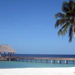 Maledivy-Dusit-Thani-pláž