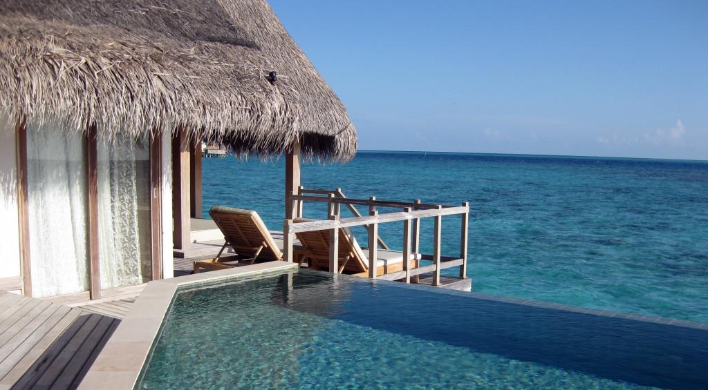 Maledivy-Jumeirah-Vittaveli-vodní-vila