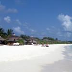 Maledivy-Palm-Beach-beach-pláž