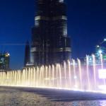Emiráty-Dubaj-Dubaj-Mall-zpívající-fontána