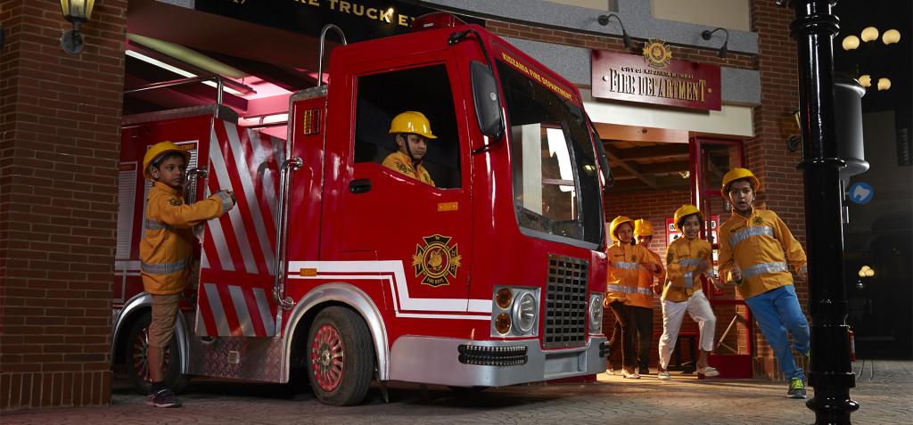 Emiráty-Dubaj-KidZania-hasiči