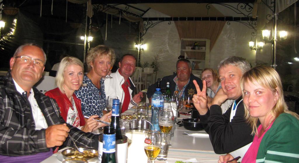 Golf-Bulharsko-Thracian-Balčik-restaurace-na-promenádě