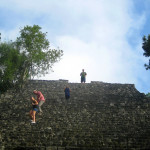 Mexiko-Calakmul-těch-schodů-je-opravdu-hodně