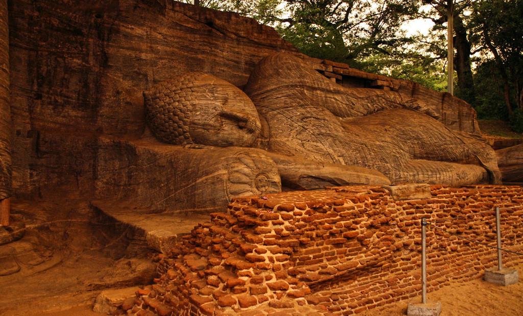 Srí-Lanka-Gal-Vihara