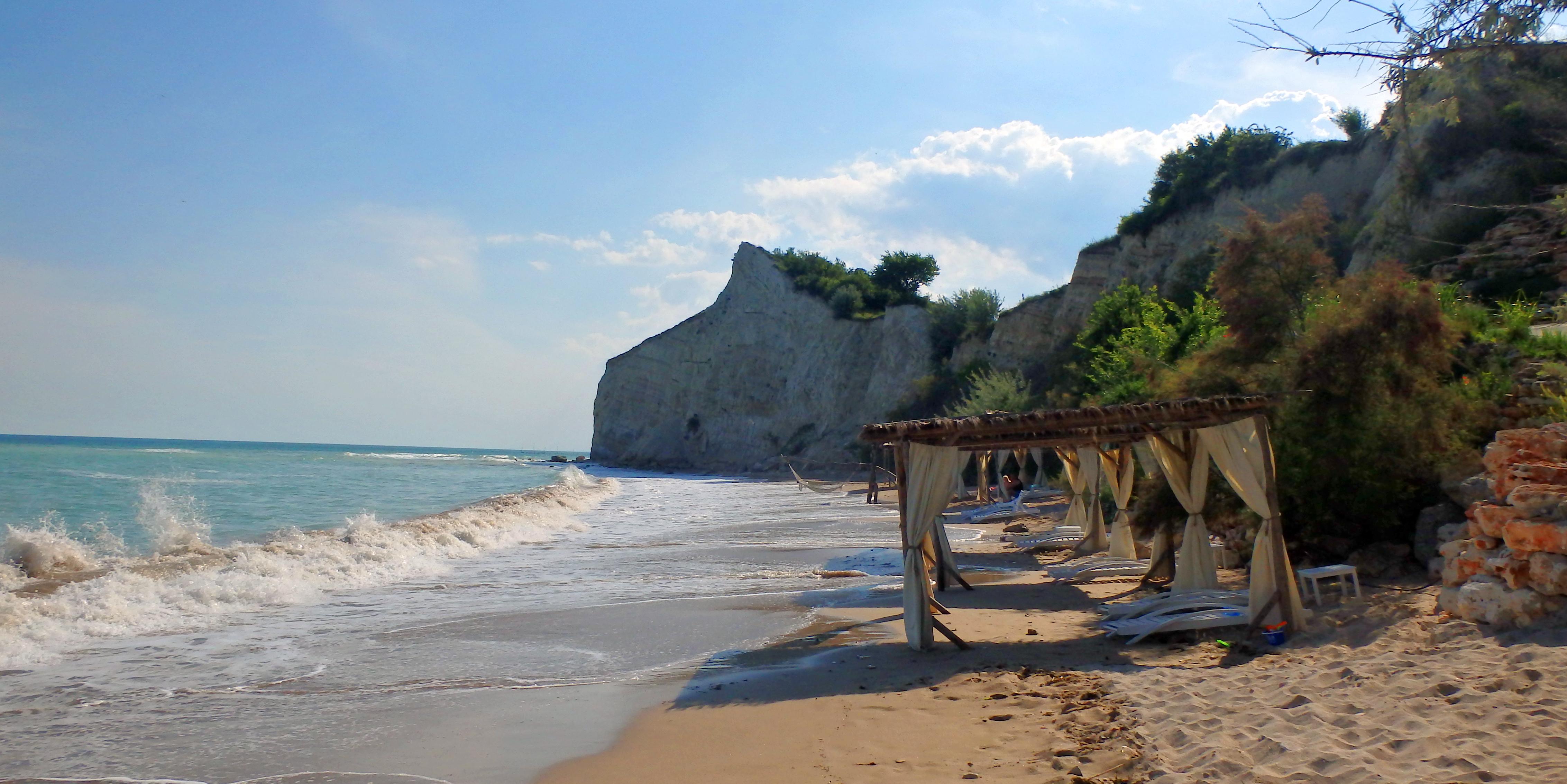 Golf-Bulharsko-Thracian-Cliffs-golfový-turnaj-Snail-Travel-Cup-oběd-na-pláži