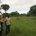 Luxusní-safari-Tanzanie-Zanzibar-Selous-African-Safari-Camp-pěší-procházka