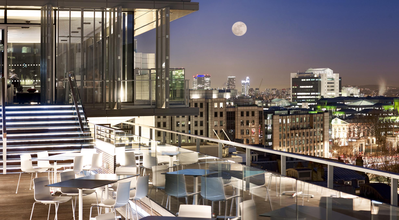 Eurovíkendy-Londýn-Double-Tree-by-Hilton-Tower-of-London-Skylounge