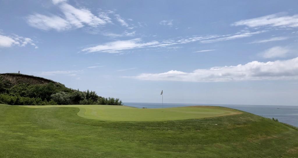 Golf-Bulharsko-Thracian-Cliffs-golfový-tGolf-Bulharsko-Thracian-Cliffs-golfový-turnaj-Snail-Travel-Cupurnaj-Snail-Travel-Cup