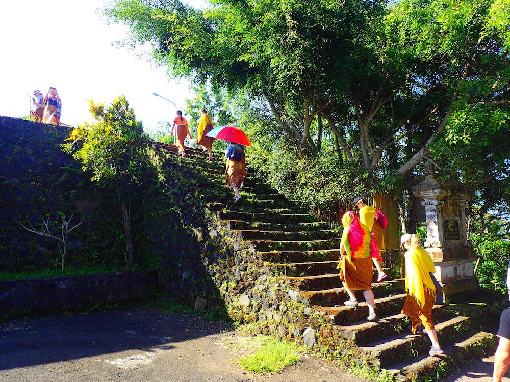 OLYMPUS Bali-chram-Pura-Lempuyang