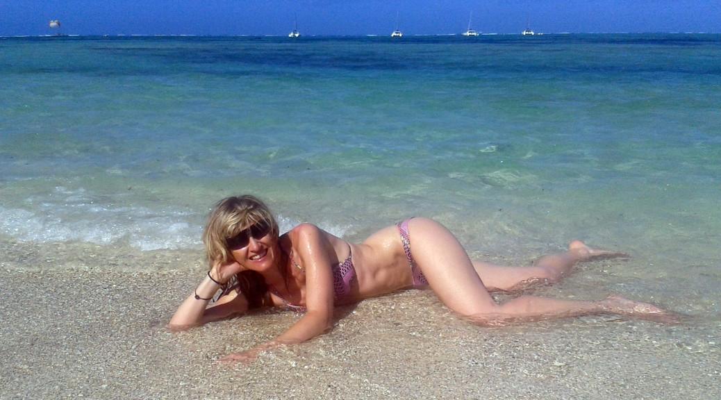 Mauricius - Míša na pláži Ille aux Cerf