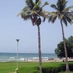 Omán - Muscat - hotel Grand Hyatt - zahrada + pláž