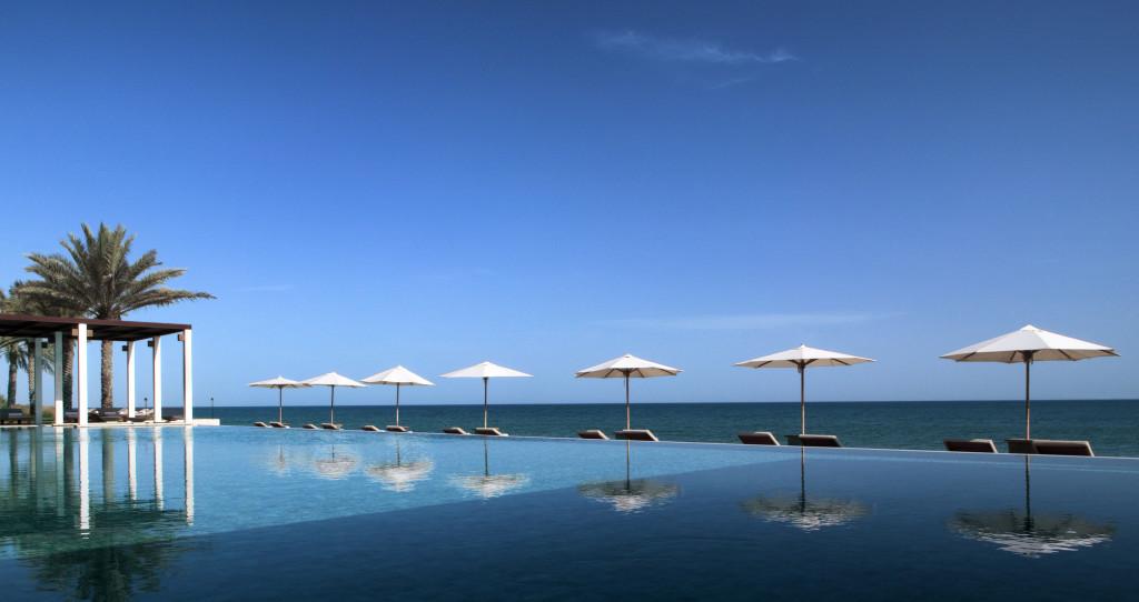 Omán - Muscat - hotel The Chedi Muscat - bazén