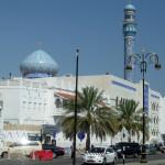 Omán - Muscat - před tržnicí
