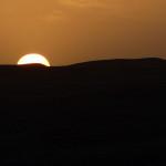 Omán - pošť Wahiba - pozorování západu slunce za dunami