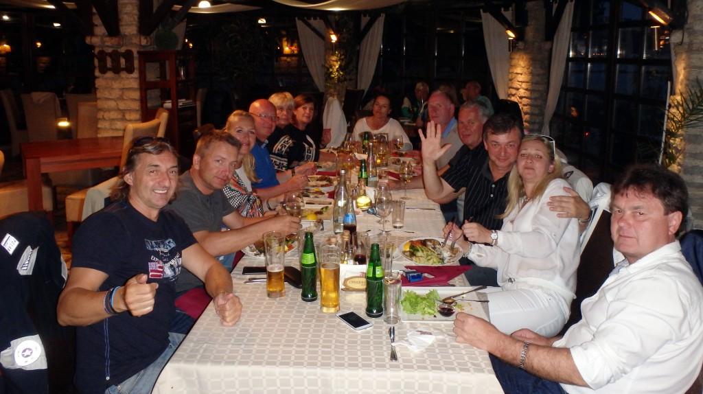 Golf-Bulharsko-Thracian-Cliffs-Balčik-restaurace-Korona